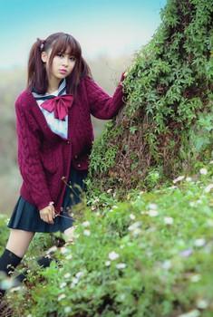 清纯女生迷人可爱的校园风写真