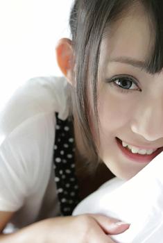 纯纯小美女清晨懒床上